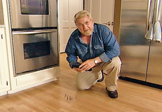 How to Remove Scuff Marks from a Floor Easily
