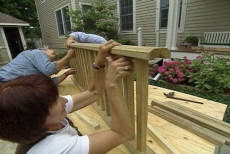 positioning the top porch railing on the balusters