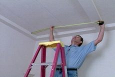 Measuring the width of the recessed ceiling panel