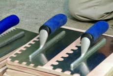 choosing a mortar trowel with large notches
