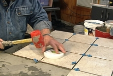 Using a Tavy Tile Puck