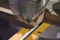 slicing repeatedly to make the half-lap joint