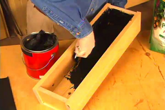 How to Waterproof the Inside of a Wood Planter Box