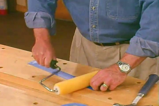 How to Remove Lint from a Paint Roller