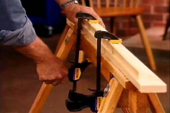 How to Cut Molding Cleanly with a Hand Saw