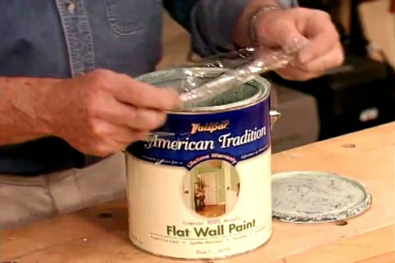 How to Keep a Paint Can Lid from Sticking