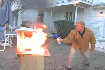 Testing an aerosol fire extinguisher