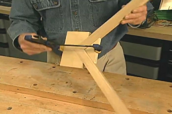 How to Make a Clamp for Miter Joints