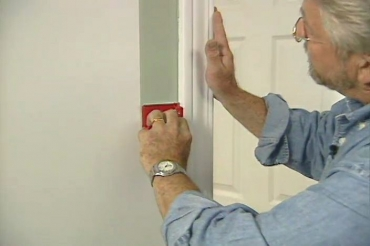 painting wall trim