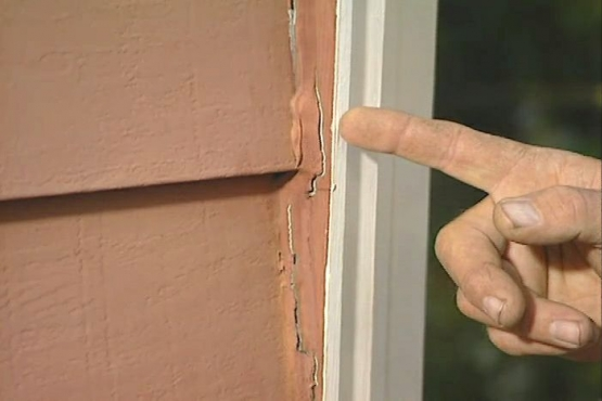 How to Remove and Replace Caulk Around Doors and Windows