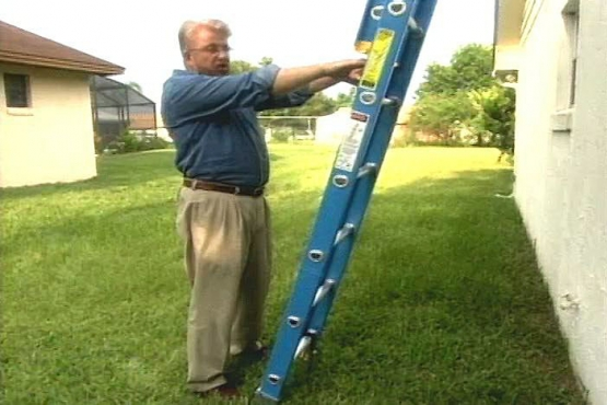 How to Use an Extension Ladder Safely