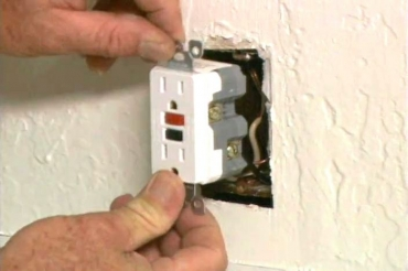 installing the GFCI electrical outlet