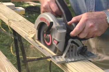 making a rip cut with a circular saw