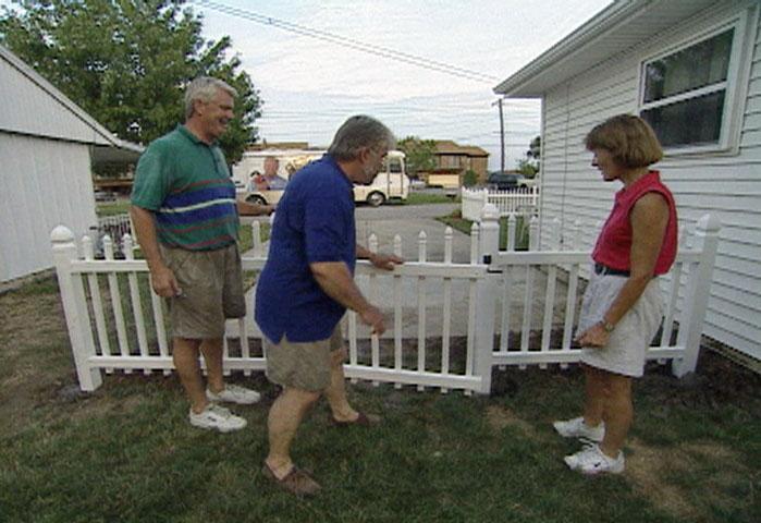 Vinyl picket fence front yard Pvc Fence Ron Hazelton How To Install Vinyl Picket Fence Diy Projects Videos