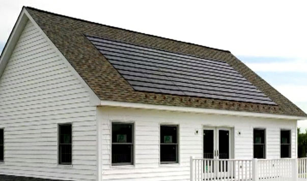 House with CertainTeed Apollo II solar roof panels