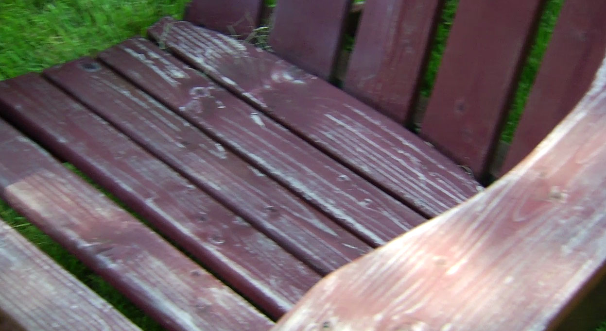 How To Revive Outdoor Wooden Furniture Using Spar Urethane