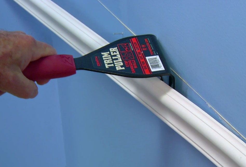 Unique Pry Tool Quickly Removes Wood Trim Without Damaging