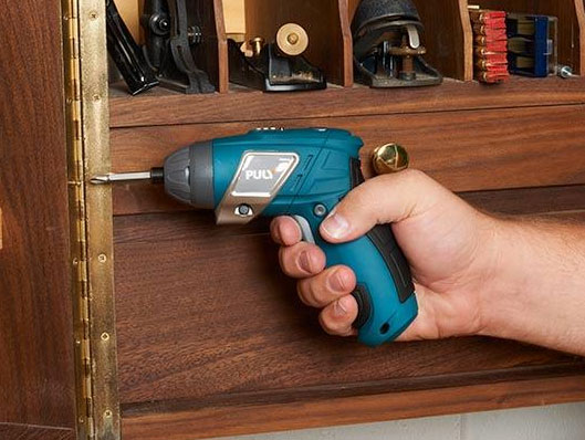 A Powerful, Lightweight, Cordless Household Screwdriver with Surprising Versatility