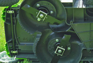 Twin blades on Greenworks' G-MAX 20