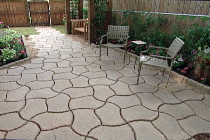 How To Make A Patio From Concrete Pavers Ron Hazelton